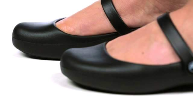 0aeb0c9e4c5219 Alice Work Flat - Crocs