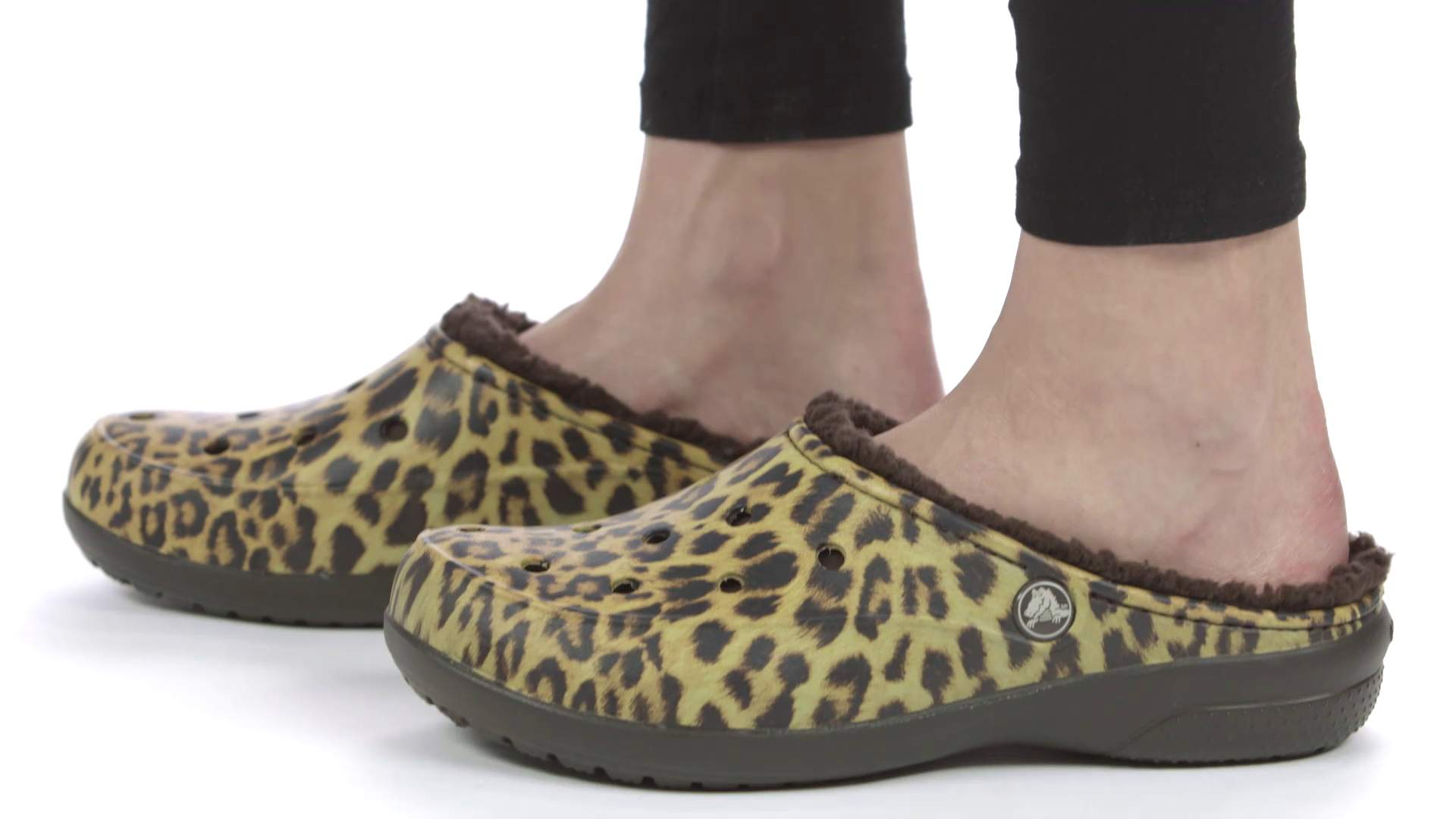 3249728f72b06e Women s Crocs Freesail Graphic Fuzz-Lined Clog - Crocs