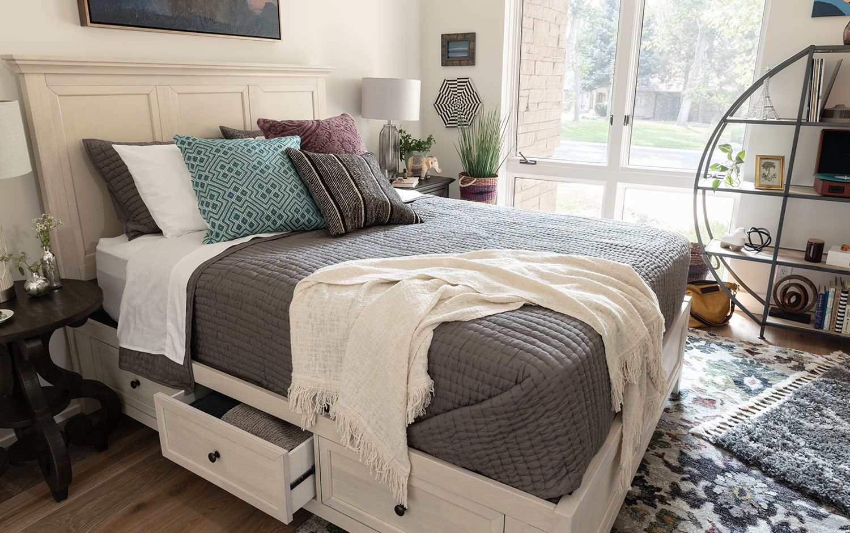 Bonn Bed in Bedroom