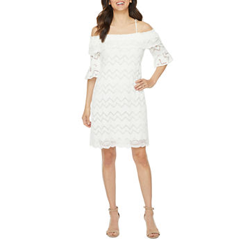 Vivi By Violet Weekend 3/4 Sleeve Cold-Shoulder Chevron Lace Shift Dress