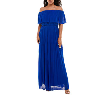 Premier Amour Off The Shoulder Pleated Maxi