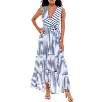 Premier Amour Sleeveless High-Low Maxi Dress