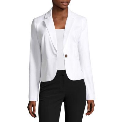 Uninterrupted white dress suit