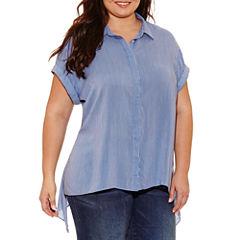 Boutique + Short Sleeve Button Front Woven Blouse-Plus