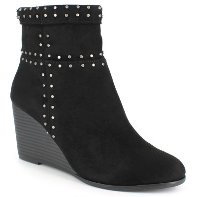 Black Boots for Teenagers