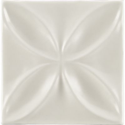 "4"" x 4"" quatrefoil decorative tile in warm candle white gloss"