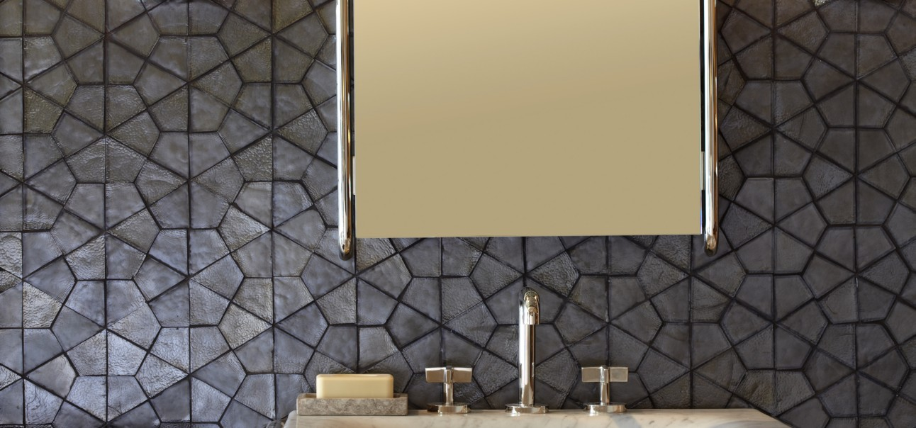 Segmented Hex Mosaic In Shadow Irid With Kallista One Mirror Wall Sconce Console Top