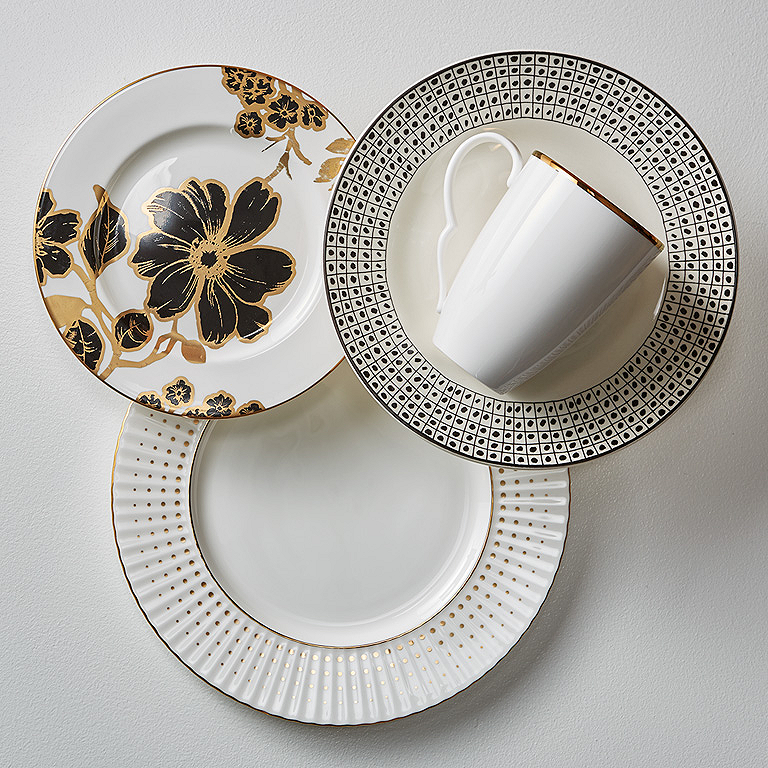 Stoneware and china do go together especially with a great color scheme. Here the black and gold on the china salad plate ties to the black squares and ... : dinnerware mix and match - pezcame.com