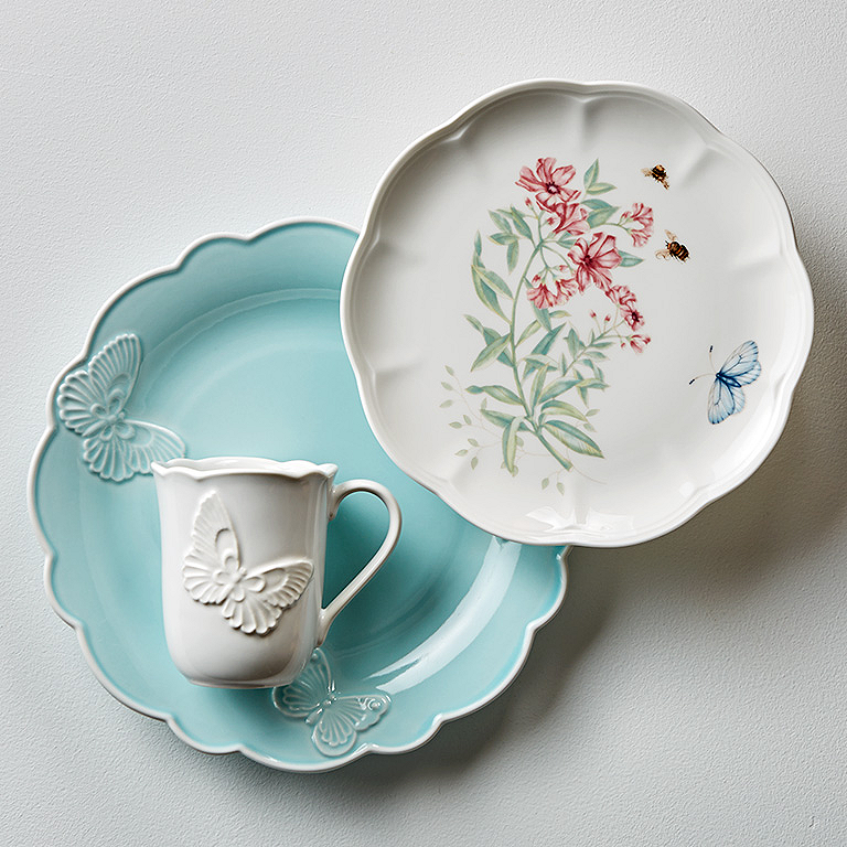 Three different Butterfly Meadow patterns create a refreshing mix of colors--the solid sky blue of the dinner plate the white floral of the accent plate ... & Mix and Match Dinnerware