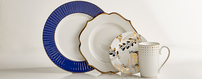 You canu0027t go wrong mixing blue and gold. Here we started with a round navy pleated rimmed dinner plate and a white scalloped accent plate both edged in ... & Mix and Match Dinnerware Online | Lenox | www.lenox.com