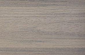 Muster Enhance Terrassendielen aus Verbundmaterial in Rocky Harbor Grau