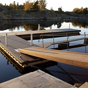 Enhance life on the water with Trex's collection of composite decking suitable for docks or marinas.