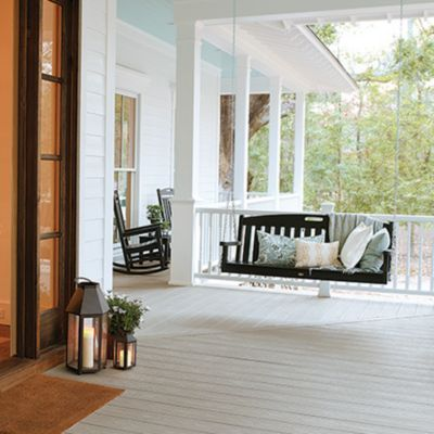 Classic and charming, our Southern collection of Transcend railing requires minimal upkeep and looks great.
