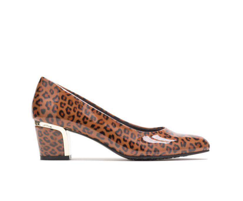 Deanna, Leopard, dynamic