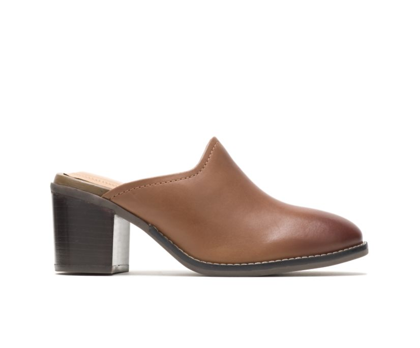 Hannah Mule, Dachshund Leather, dynamic