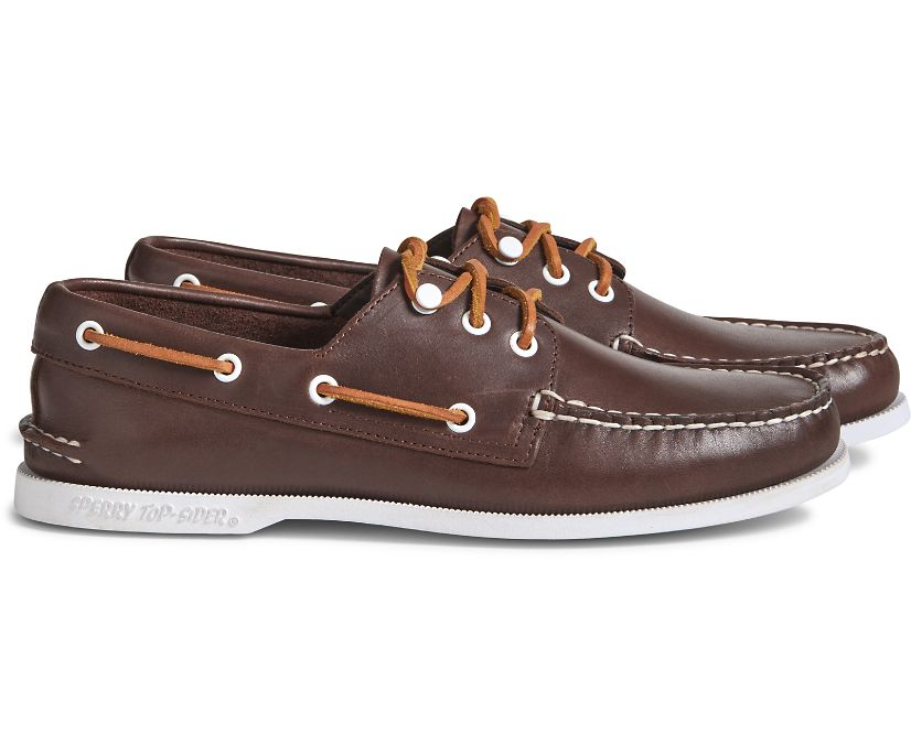 Cloud Authentic Original 3-Eye Leather Boat Shoe, Classic Brown, dynamic