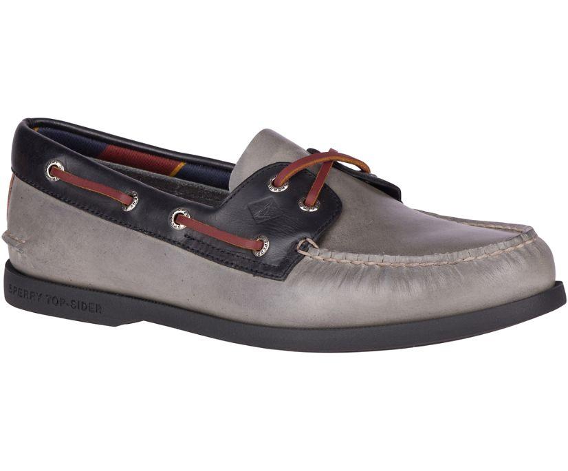 Authentic Original Plush Varsity Boat Shoe, Grey/Black, dynamic