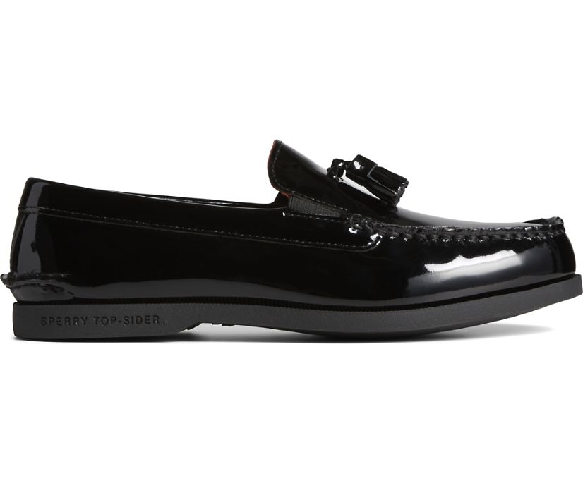 Cloud Tassel Loafer, Patent Black, dynamic