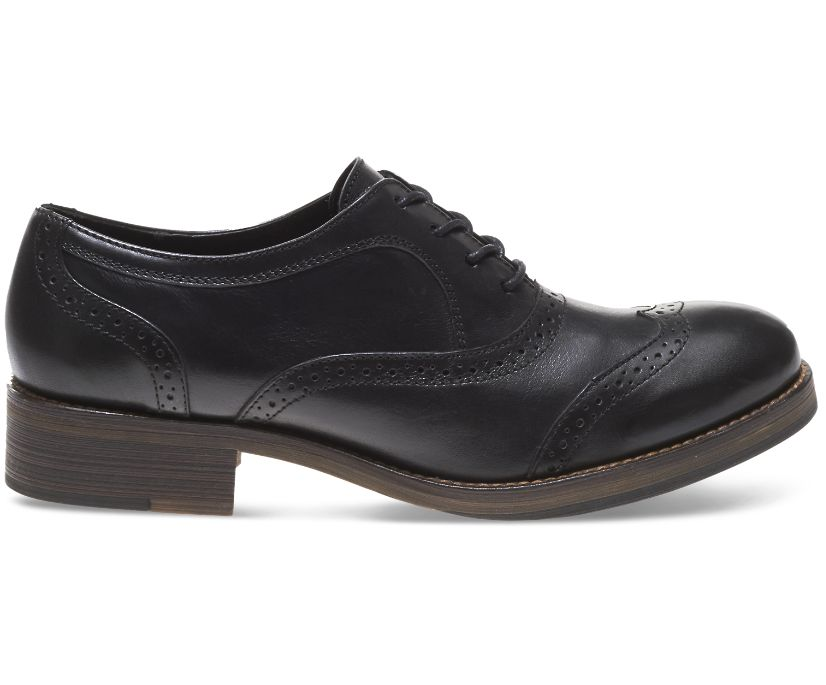 Elsie Oxford, Black Leather, dynamic