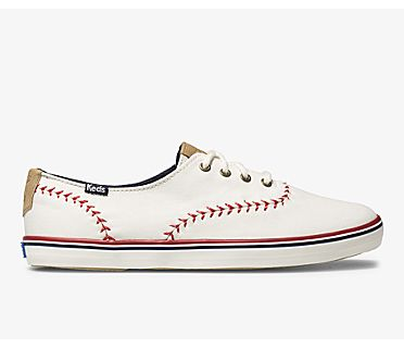Champion Pennant, Off White Canvas, dynamic