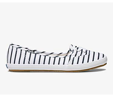 Teacup Breton Stripe, White Navy, dynamic
