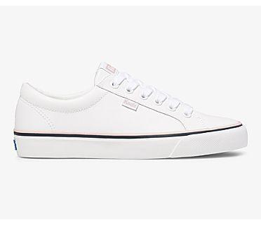 Jump Kick, White Leather, dynamic