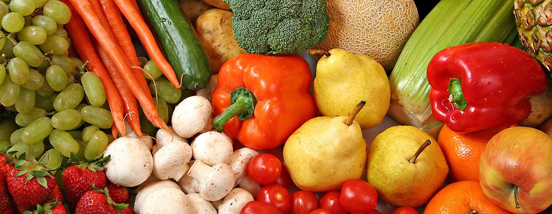 Varias frutas y vegetales