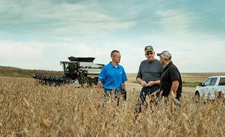 Pioneer agronomist, soybean harvest