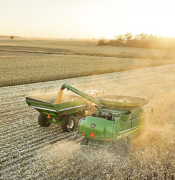 Harvesting - John Deere Combine