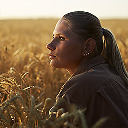 Woman_in_Wheat_Closeup_261x261