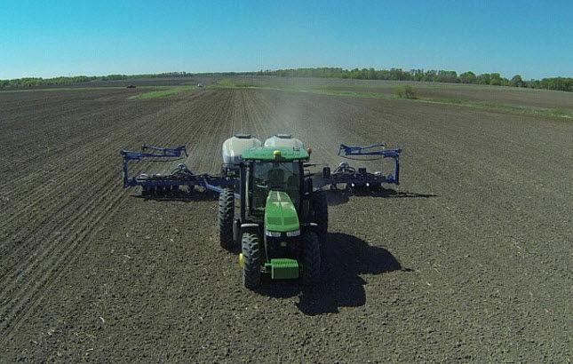 Photo of spring fieldwork - planting.