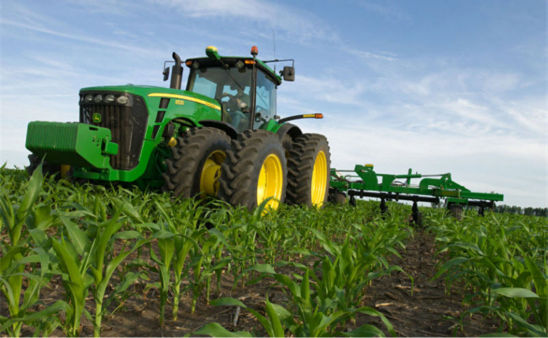 Side-dress application of anhydrous ammonia at the V5 to V6 corn growth stage