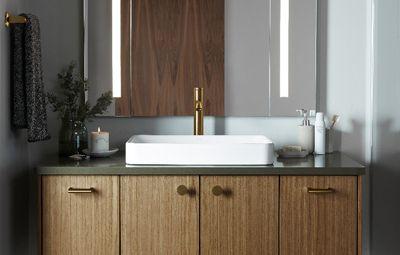 Cermat mengoptimalisasikan ruang dan tempat penyimpanan di kamar mandi Anda.