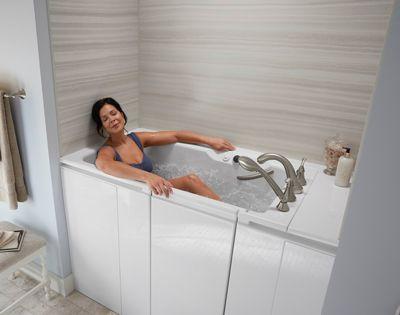 Bề mặt bồn tắm được sưởi ấm với công nghệ Bask