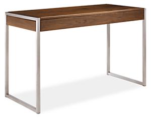 Basis 50w 22d 30h Desk