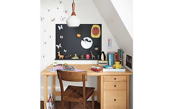 Sherwood Desk with Agenda Magnetic Board