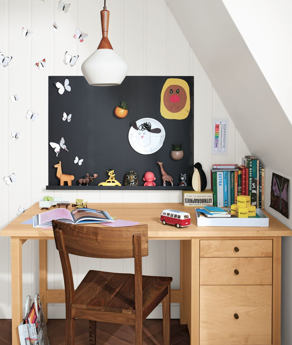 Detail of Agenda magnetic board above kid's desk