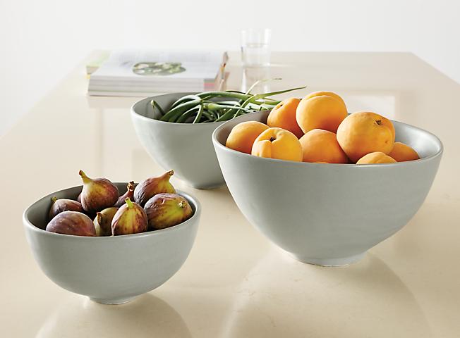 Detail of Anya large, medium and small bowl
