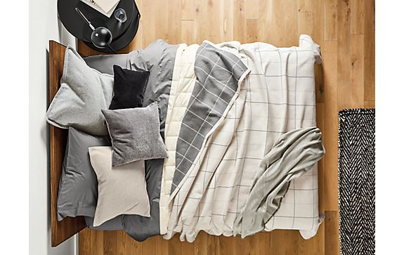 Apex Blanket in Heather Grey