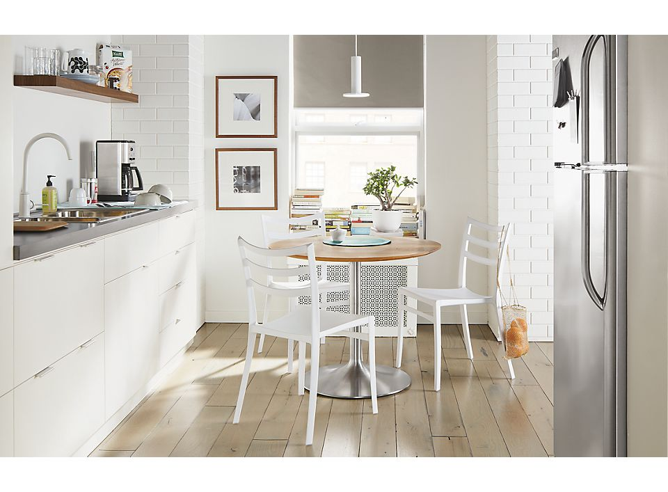 Aria round table in small kitchen