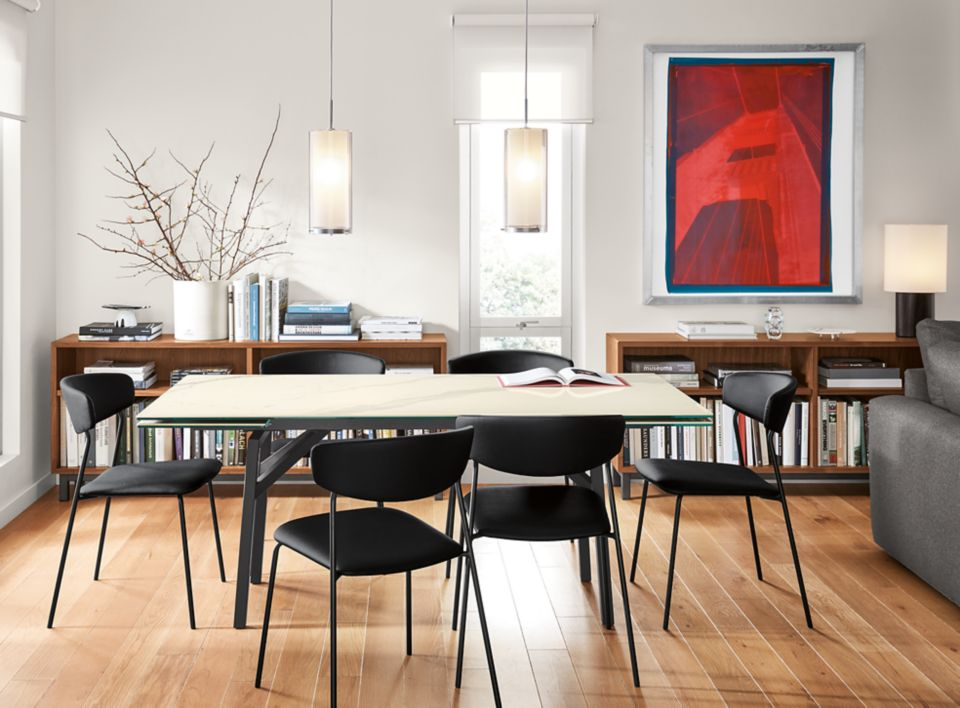 Detail of Benning extension table in dining room