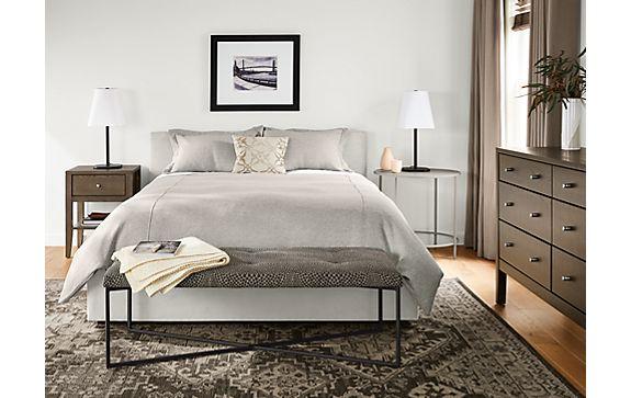 Wyatt Queen Bed with Calvin in Ash Stain