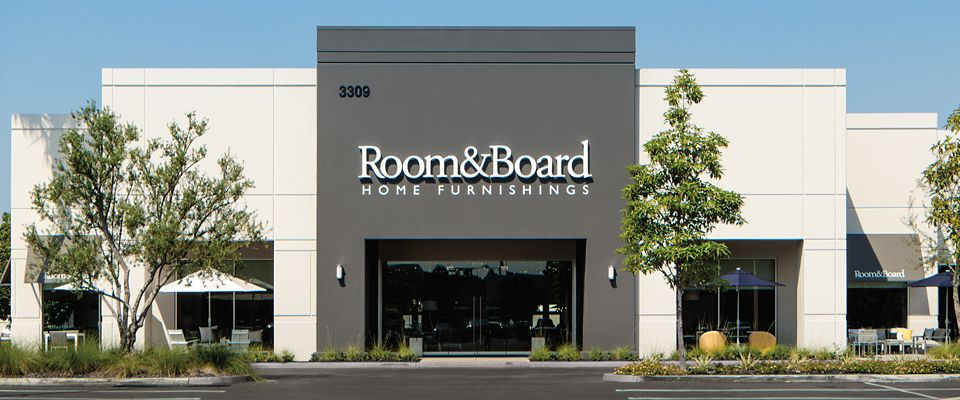 Room & Board Costa Mesa SOCO is a modern furniture store at South Coast Collection.