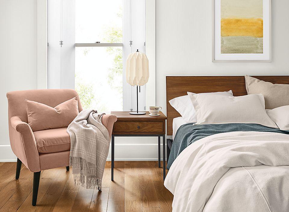 Covington duvet in off-white on queen bed