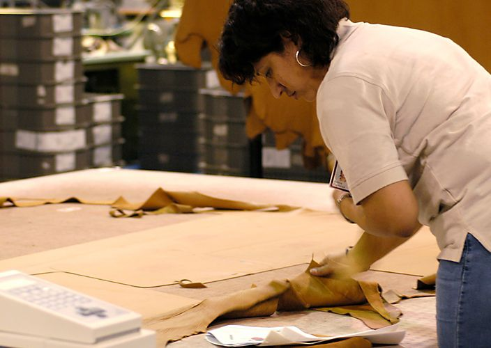 American Leather Meet Our Craftspeople About Us Room