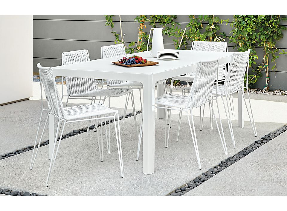 Side detail of Crescent outdoor rectangular table