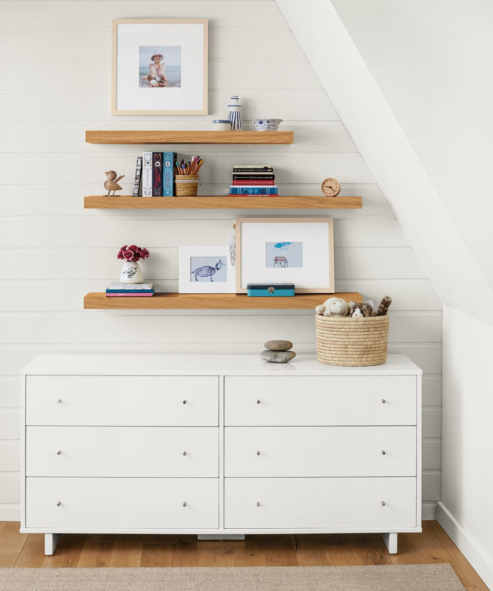 Detail of Moda six-drawer dresser