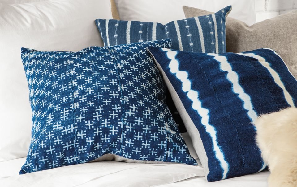 Detail fo Gouro indigo pillow