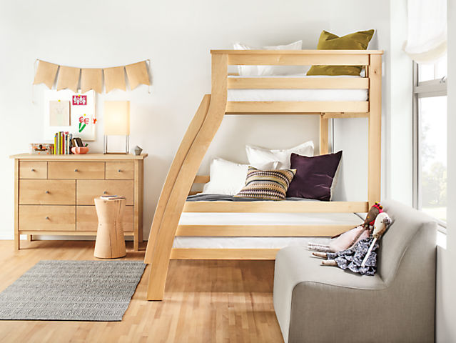 Side detail of Griffin bunk bed in maple