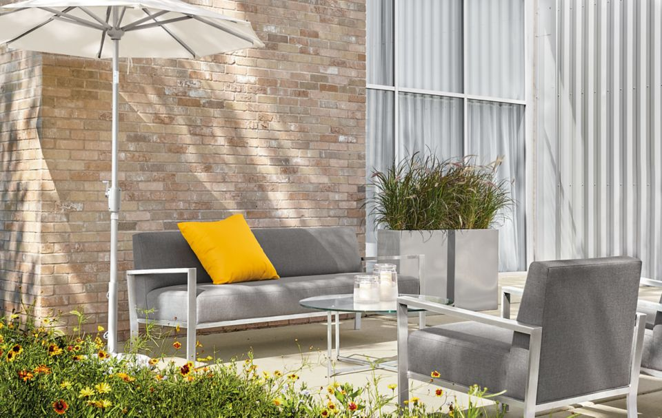 Detail of outdoor Isles sofa